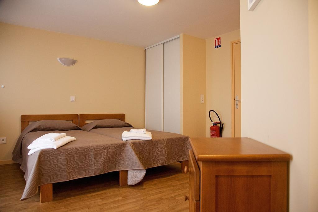Hotel annecy centre jean xxiii - Salon sur cour annecy ...